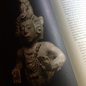 Statua Maya del dio del Mais